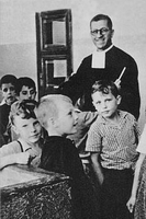H. Julio González, ejemplo de vida consagrada a vocación educativa
